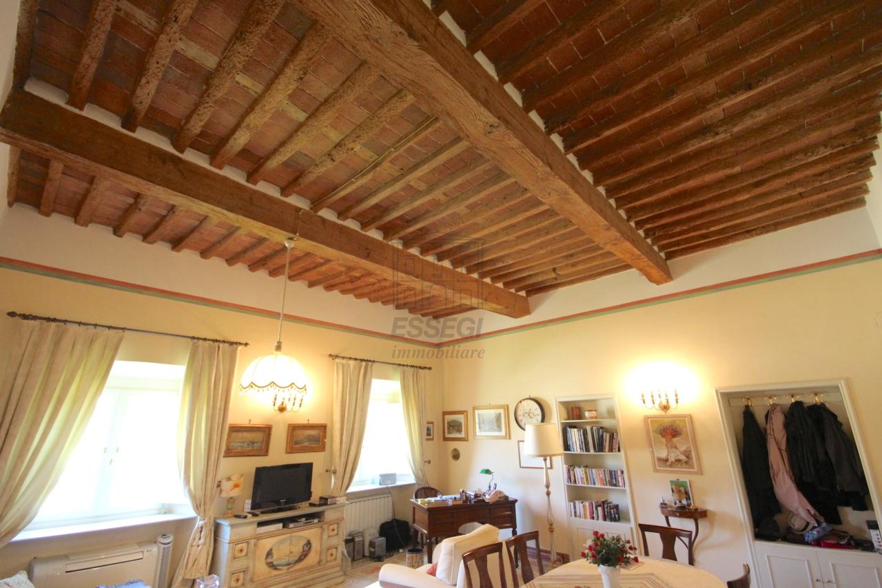 Appartamento Lucca Centro storico IA03340 img 20