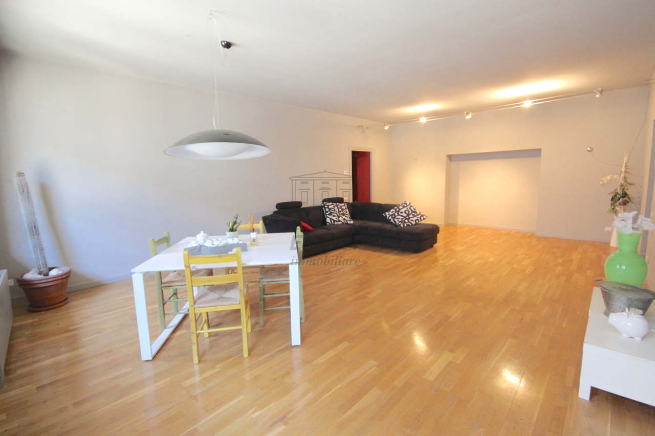 Appartamento Lucca Centro storico IA03272 img 2