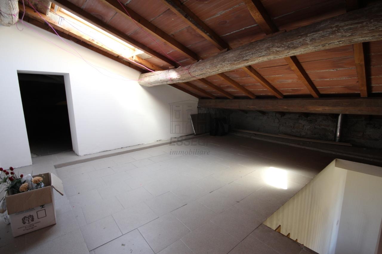 Appartamento Lucca Centro storico IA03213 img 14