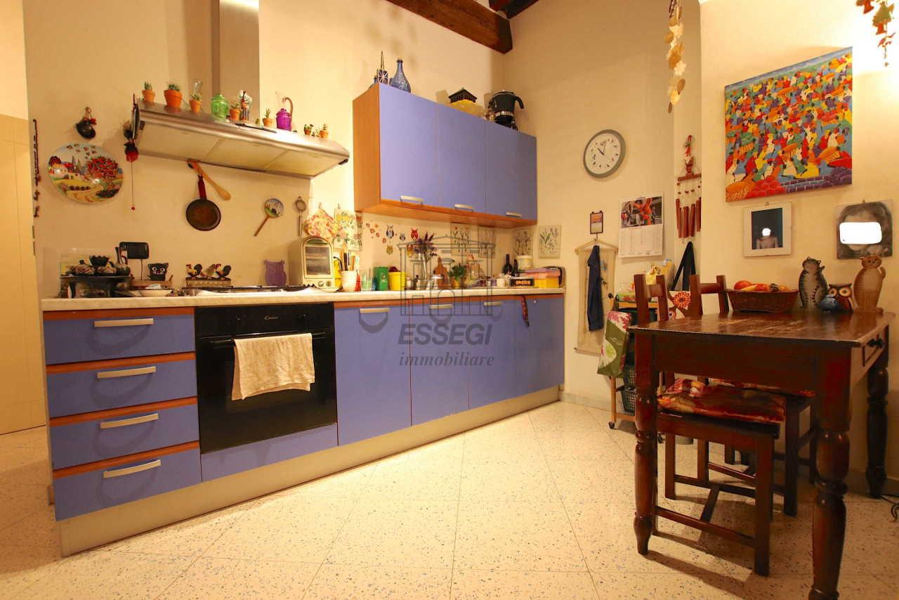 Appartamento Lucca Centro storico IA03516 img 3