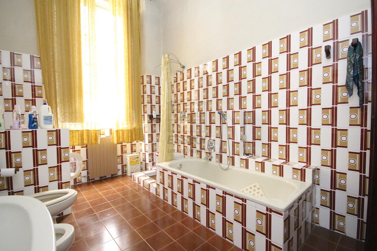 Appartamento Lucca Centro storico IA03446 img 13