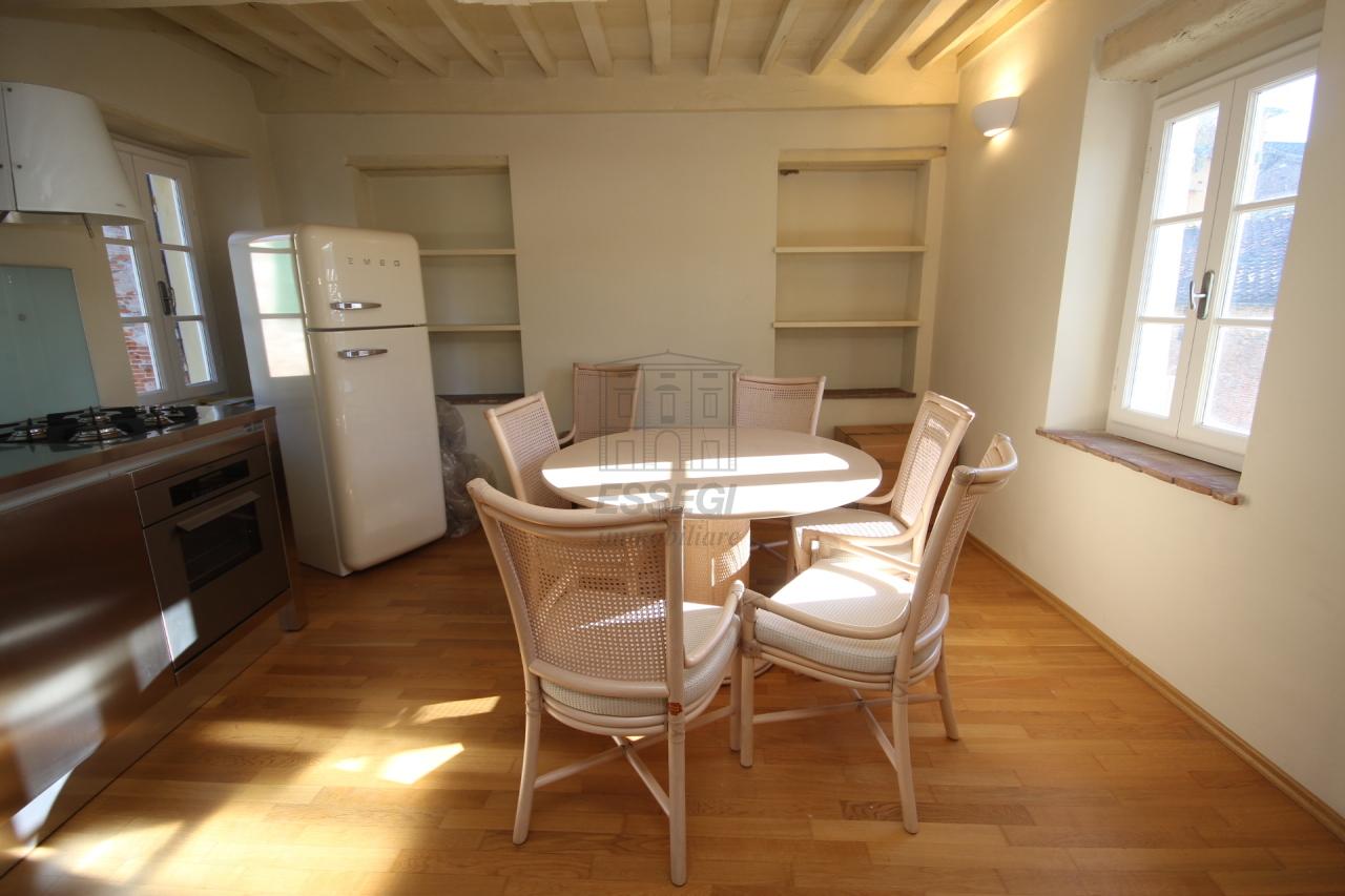 Appartamento Lucca Centro storico IA00611 img 5