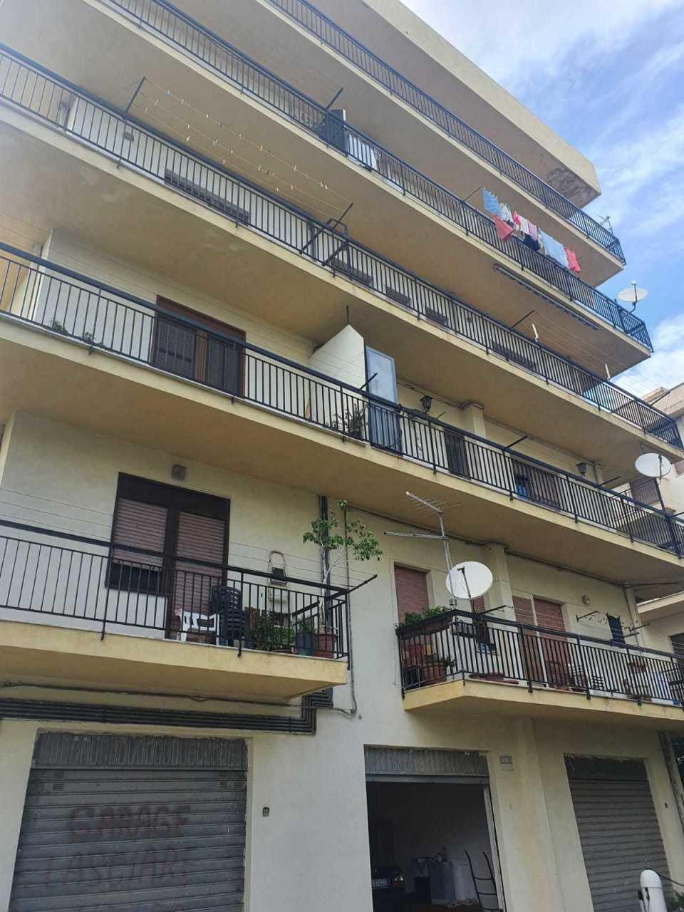 Appartamento in vendita a Reggio Calabria, 3 locali, prezzo € 88.000   CambioCasa.it