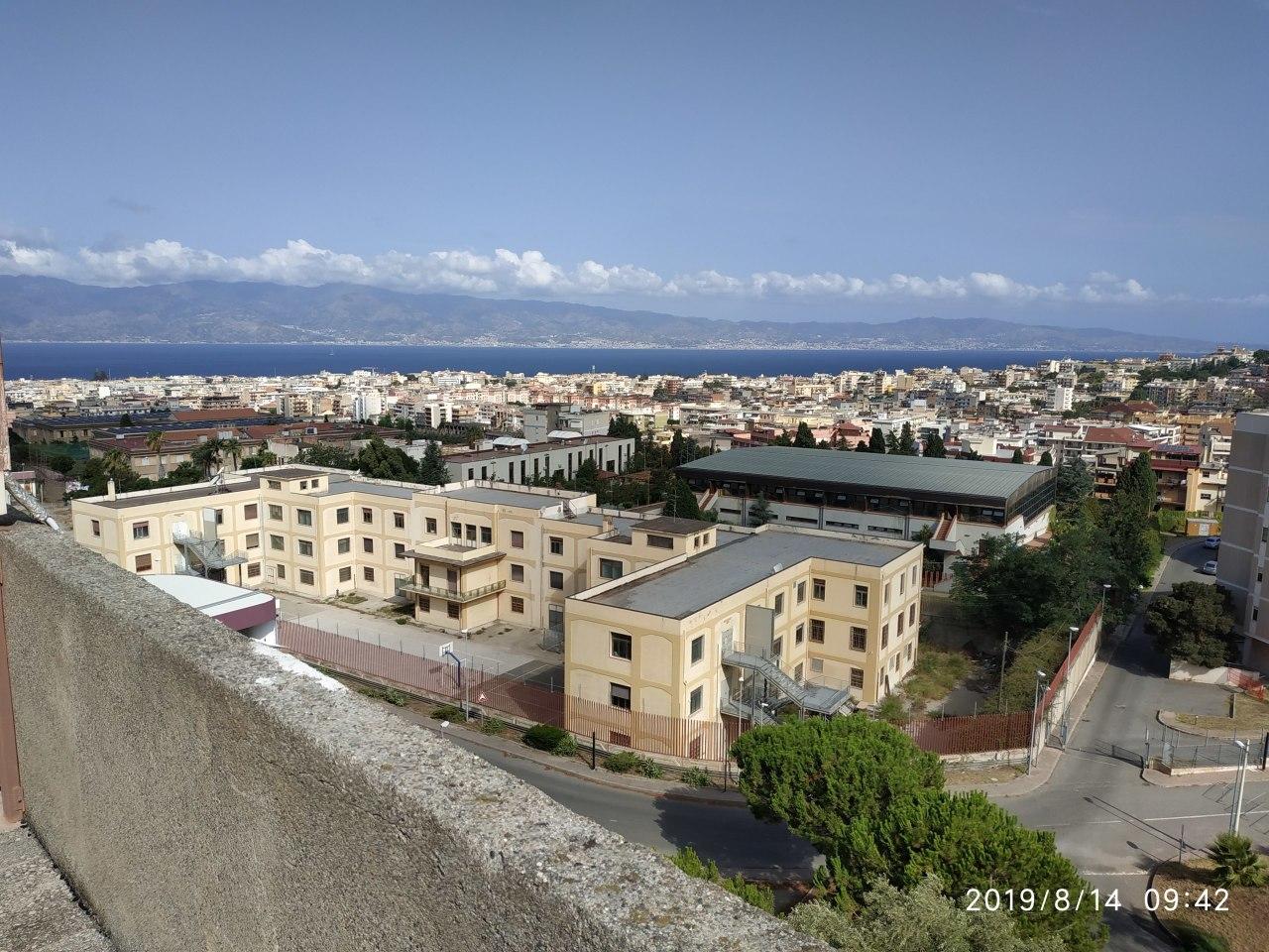 Appartamento in vendita a Reggio Calabria, 3 locali, prezzo € 100.000   CambioCasa.it