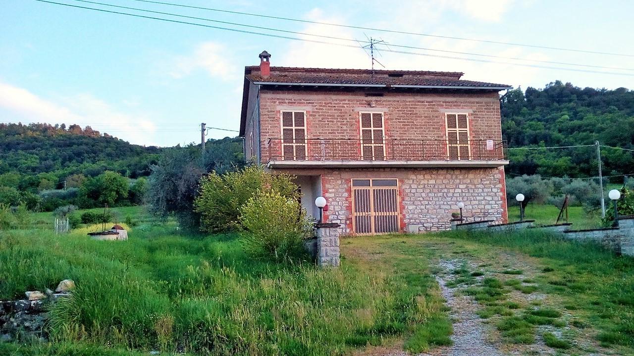 Casa Indipendente in discrete condizioni in vendita Rif. 9011642