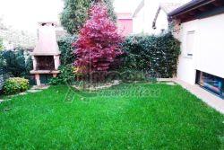Villa in Vendita a Rovigo, 210 m², con Box