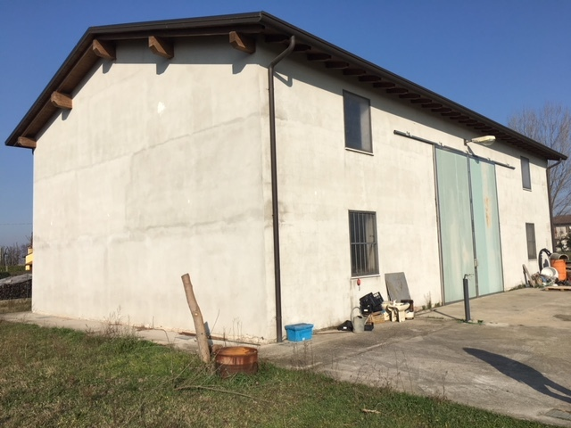 Capannone in vendita a Albaredo d'Adige, 1 locali, prezzo € 55.000   CambioCasa.it