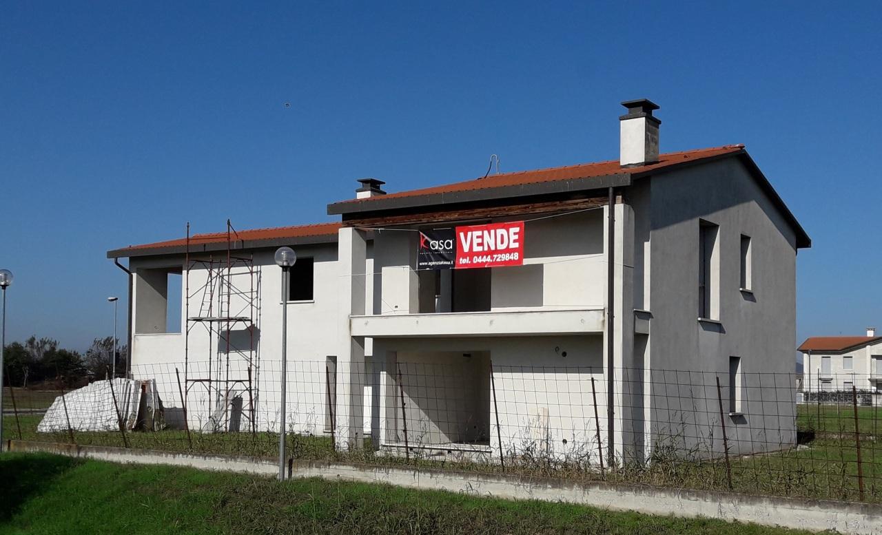 Soluzione Indipendente in vendita a Orgiano, 12 locali, Trattative riservate | CambioCasa.it