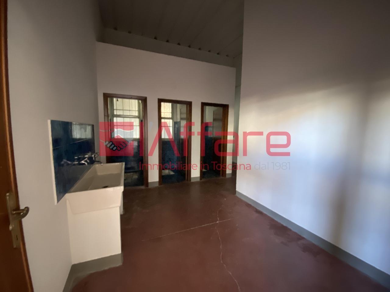 Capannone commerciale in vendita - Pieve a Nievole