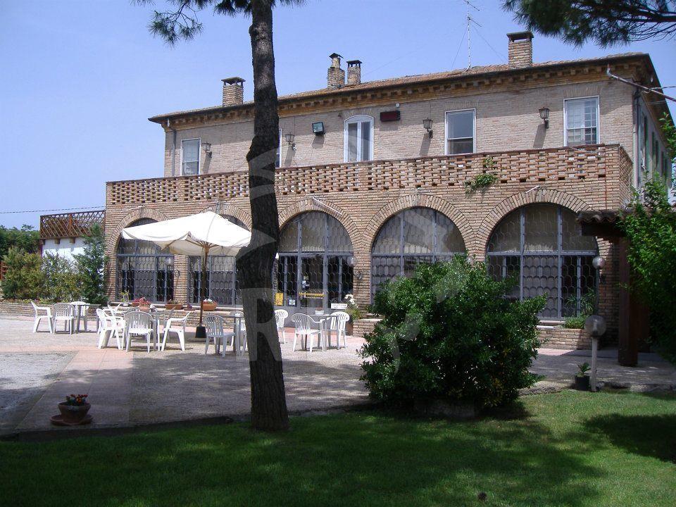 Ristorante / Pizzeria / Trattoria in vendita a Ravenna, 9999 locali, prezzo € 500.000 | CambioCasa.it