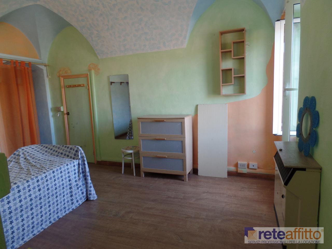Bilocale in buone condizioni in affitto Rif. 11615864