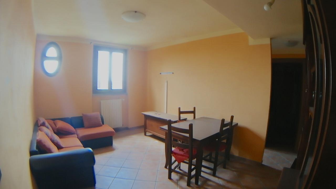 Appartamento in ottime condizioni arredato in affitto Rif. 6785592