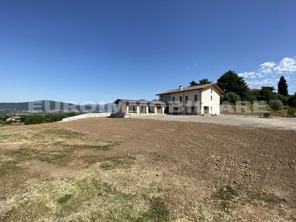 Terreno Agricolo in affitto a Passirano, 20 locali, Trattative riservate   CambioCasa.it