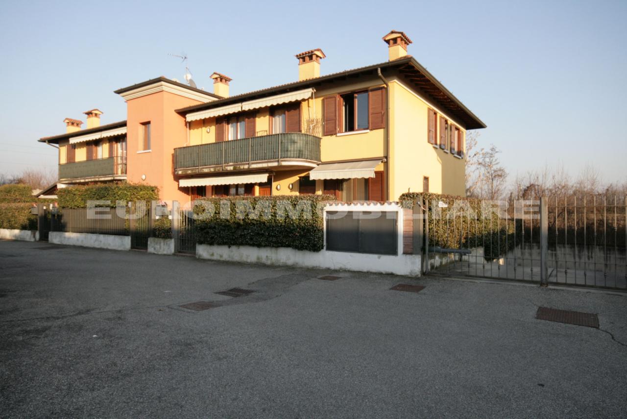 Appartamento in vendita a Castel Mella, 2 locali, prezzo € 79.000 | CambioCasa.it