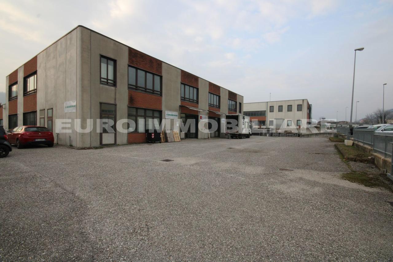 Capannone in vendita a Tregnago, 4 locali, prezzo € 750.000 | CambioCasa.it