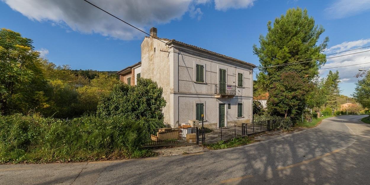 Villa in vendita a Manoppello, 10 locali, prezzo € 115.000 | PortaleAgenzieImmobiliari.it