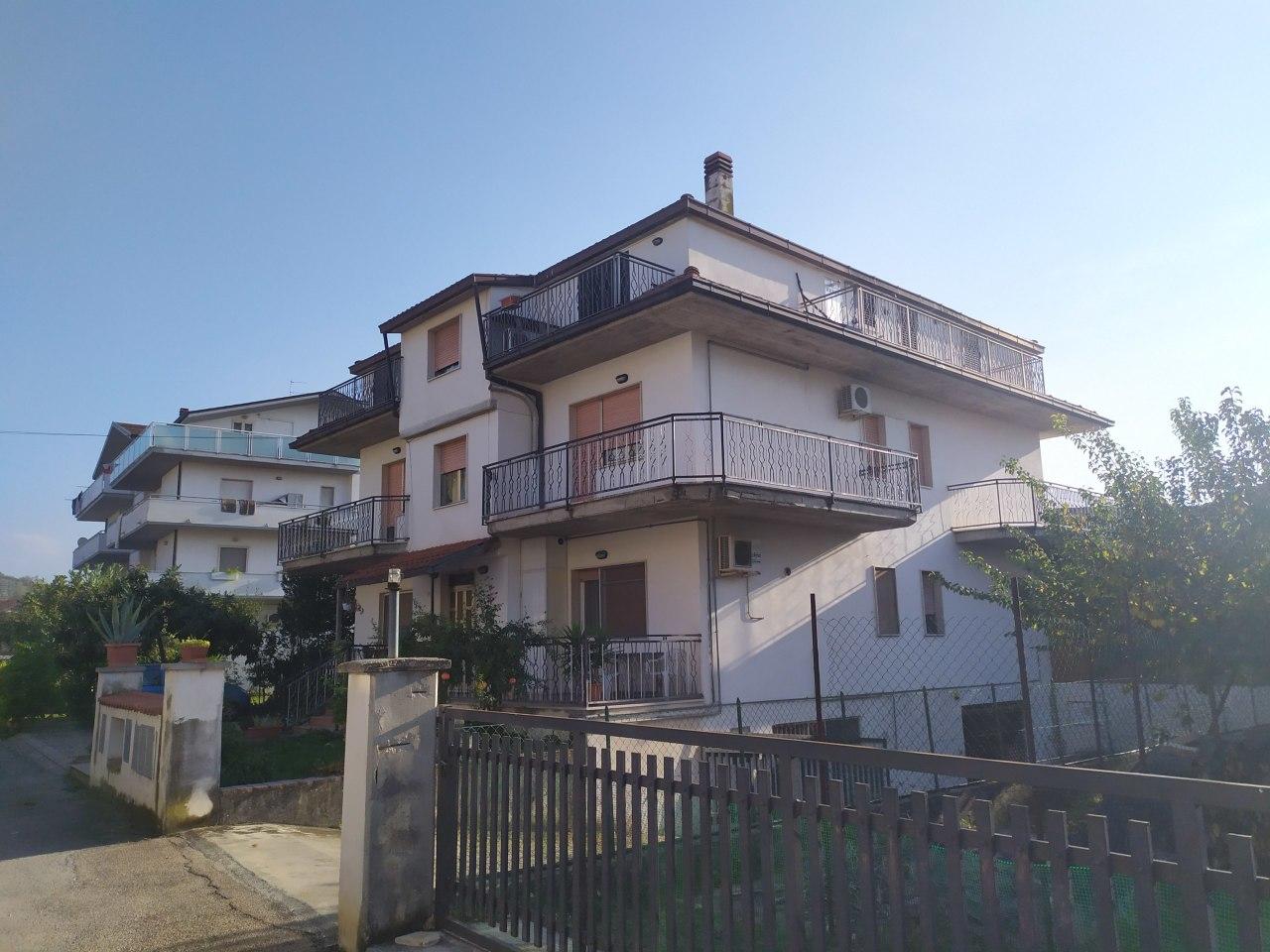 Appartamento in vendita a Manoppello, 4 locali, prezzo € 68.000 | PortaleAgenzieImmobiliari.it