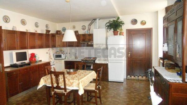 Bilocale in buone condizioni in vendita Rif. 10849604