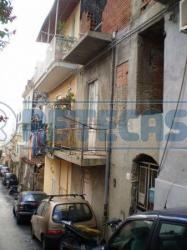 Villa bifamiliare in Vendita a Messina, zona Centro-Sud, 22'000€, 57 m²