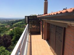 Mansarda in Vendita a Perugia, 57'000€, 50 m², arredato, con Box