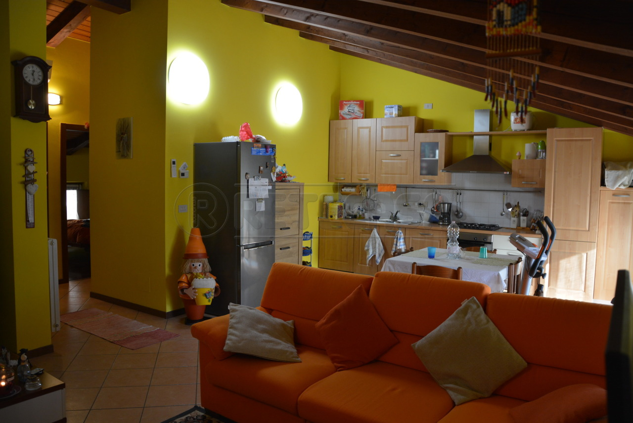 Vendesi Appartamento a Santa Maria La Longa