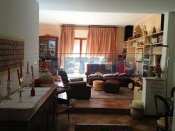 Appartamento in Vendita a Perugia, zona Monteluce, 285'000€, 200 m², con Box