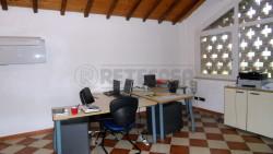 Ufficio in Affitto a Mantova, zona COMUNE, 650€, 130 m²