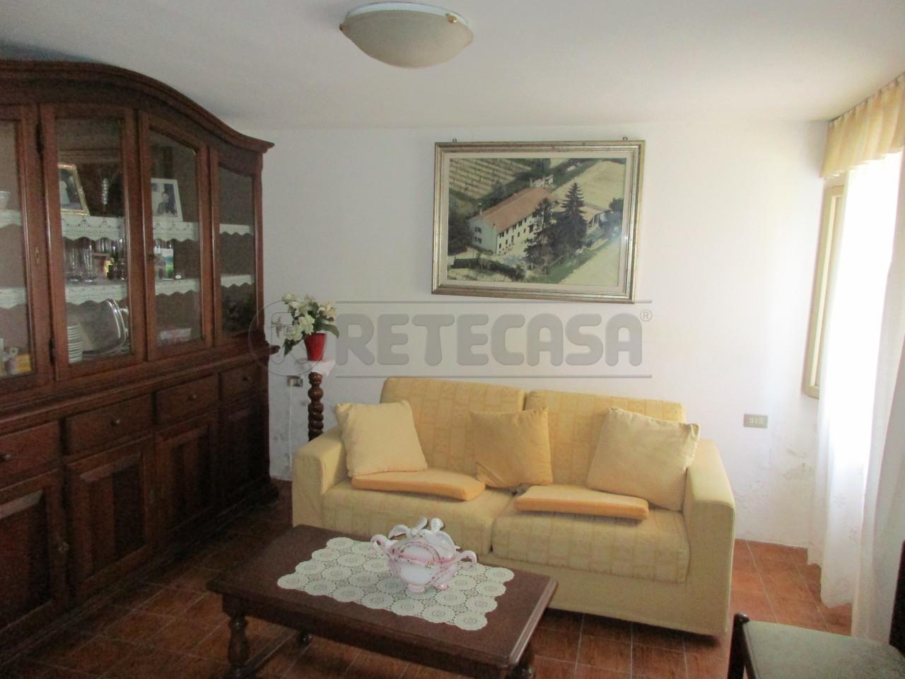 Casa Indipendente in discrete condizioni in vendita Rif. 11167847