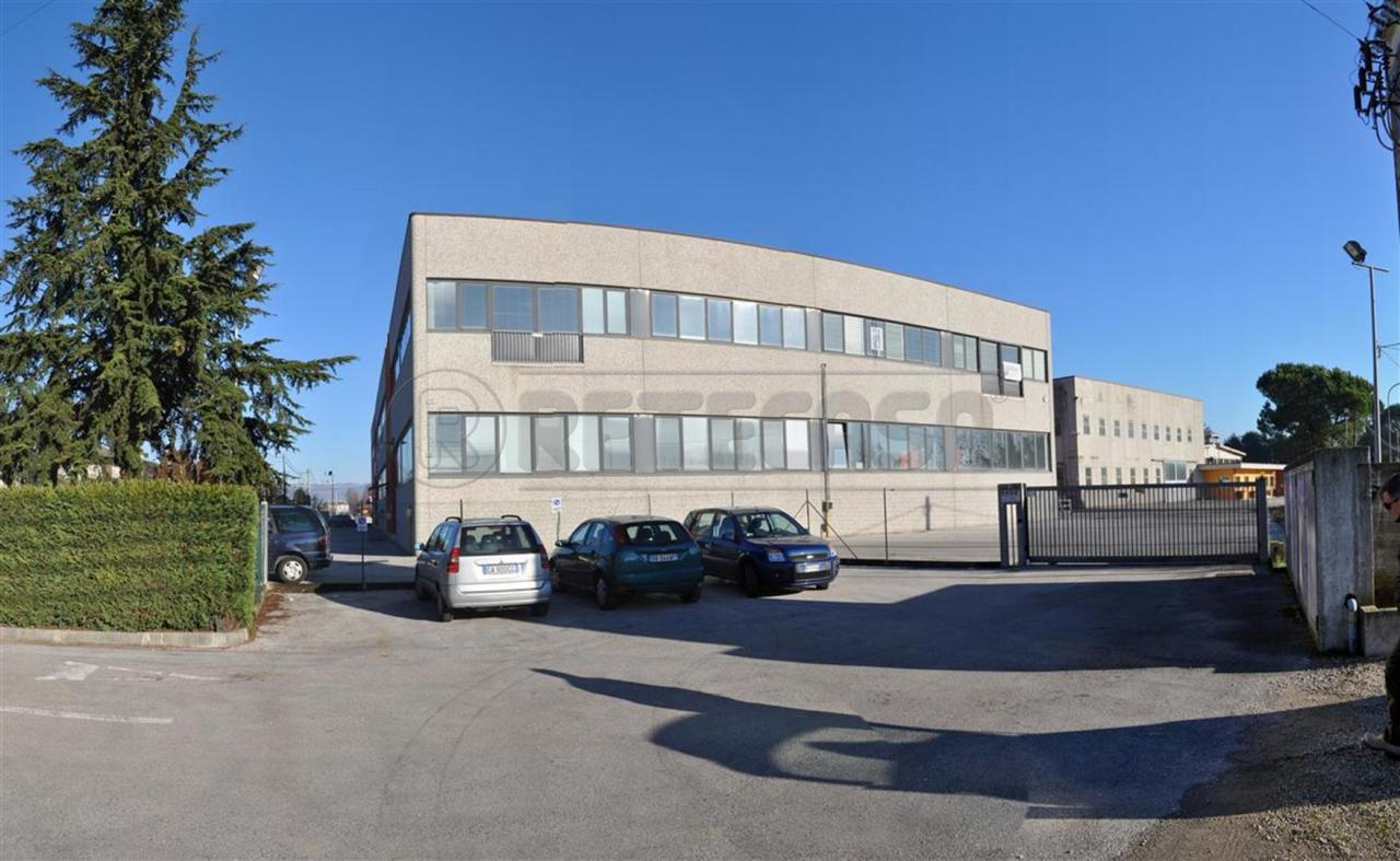 Laboratorio in vendita a Monticello Conte Otto, 9999 locali, Trattative riservate   CambioCasa.it