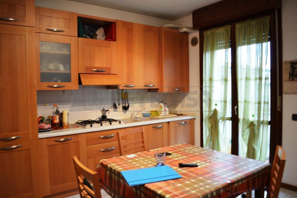 Appartamento in buone condizioni arredato in vendita Rif. 4126241