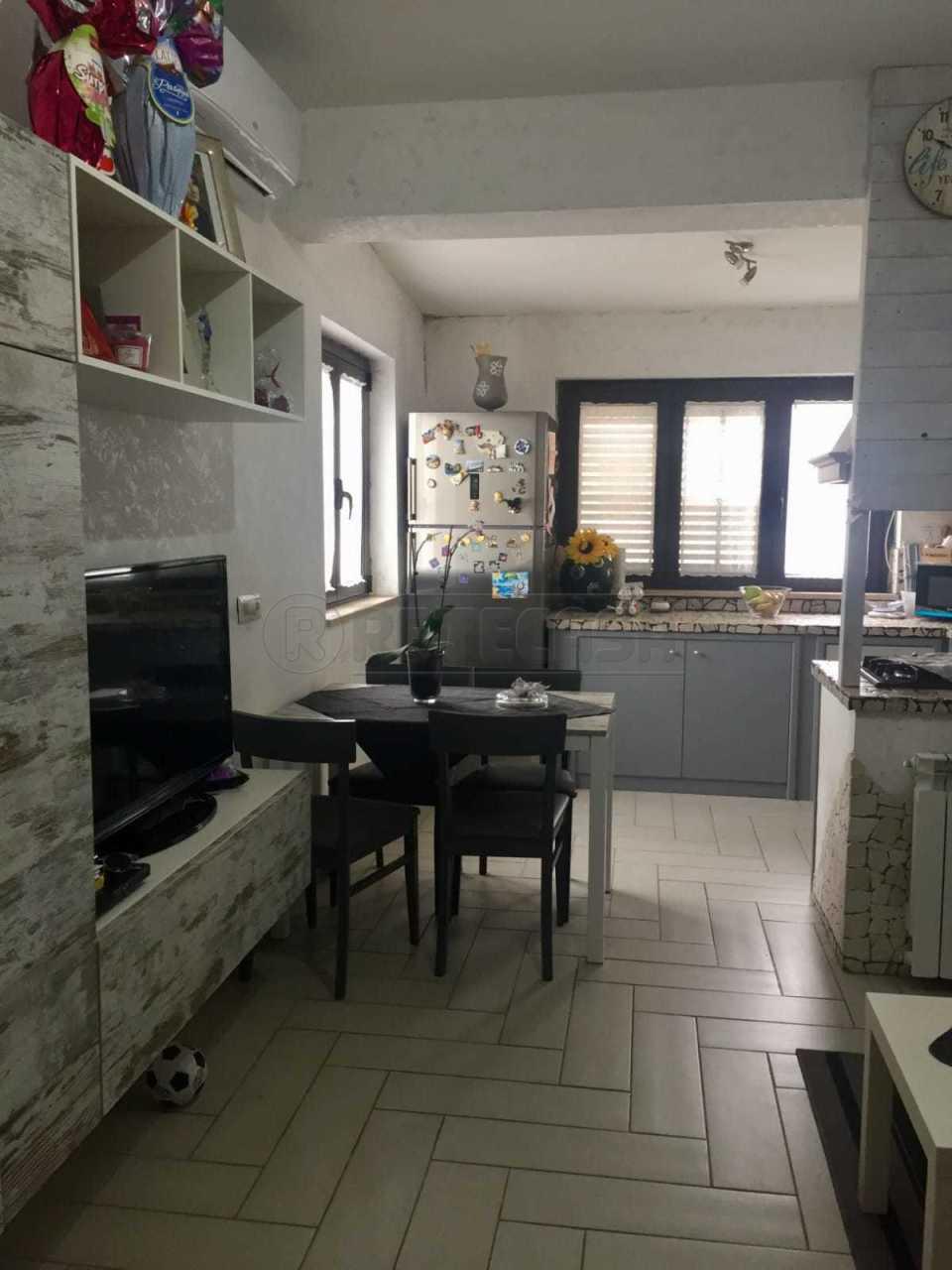 Soluzione Semindipendente in vendita a Cropani, 3 locali, prezzo € 110.000 | CambioCasa.it