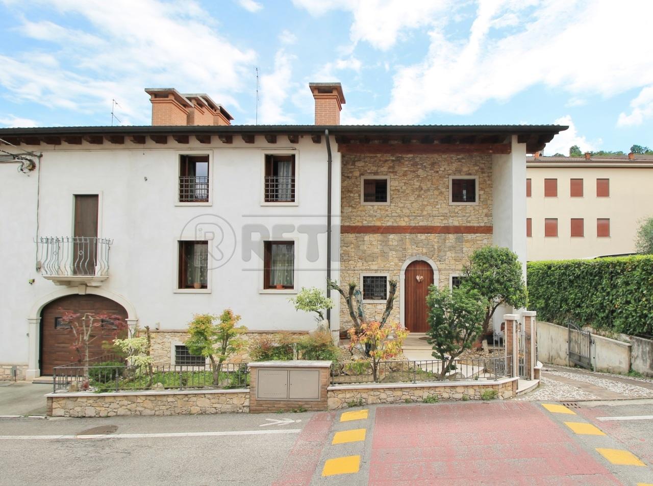 Soluzione Semindipendente in vendita a Chiampo, 11 locali, prezzo € 450.000 | CambioCasa.it