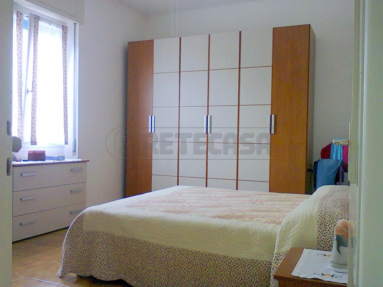 Appartamento in buone condizioni arredato in affitto Rif. 9670610