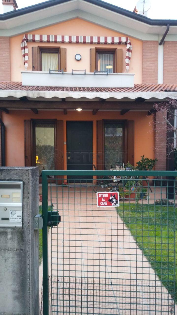 Porzione di casa in ottime condizioni in vendita Rif. 12381253
