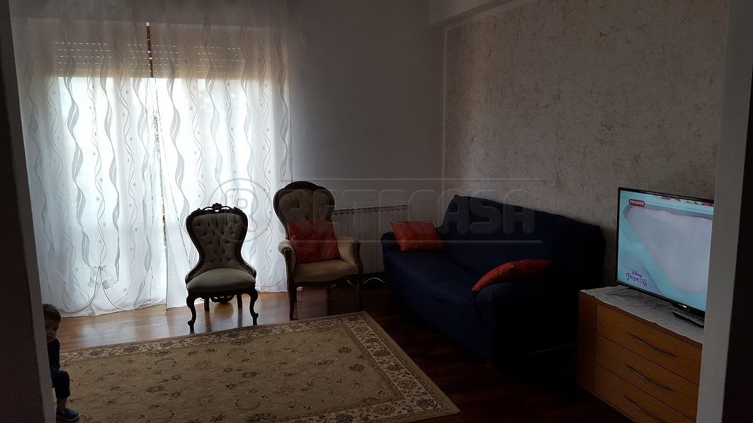 Bilocale da ristrutturare arredato in affitto Rif. 6607422