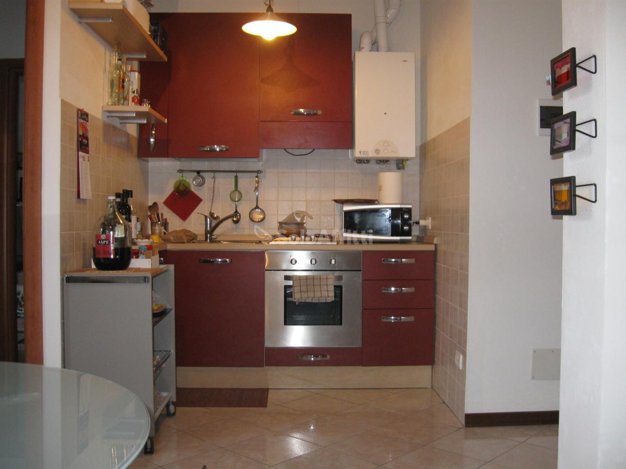 Bilocale in buone condizioni arredato in affitto Rif. 8184367