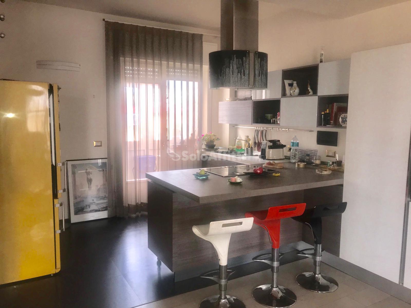 Appartamento Trilocale Arredato 150 mq.
