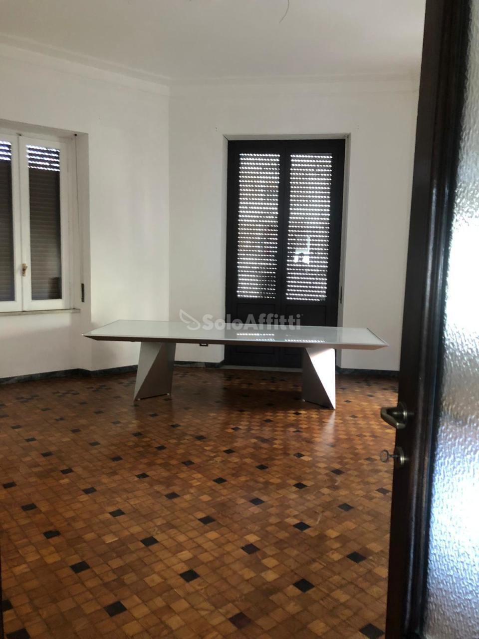 Ufficio - oltre 4 locali a Porta Nuova, Pescara Rif. 10889798
