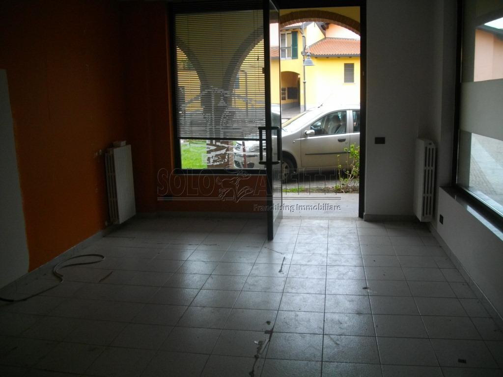Negozio / Locale in affitto a Cermenate, 2 locali, prezzo € 500 | PortaleAgenzieImmobiliari.it