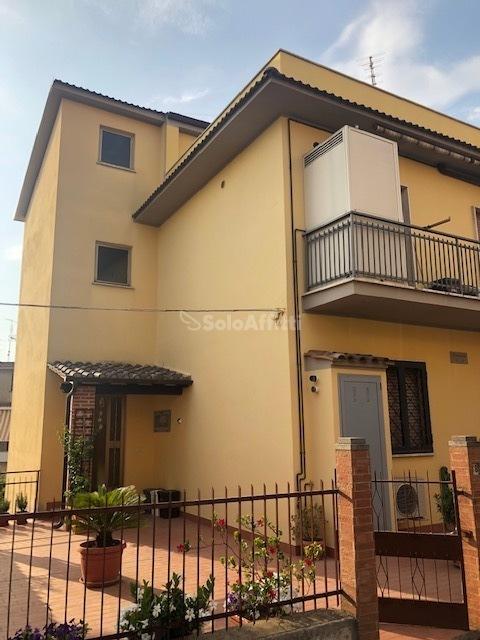 Attico / Mansarda in buone condizioni in affitto Rif. 10994108