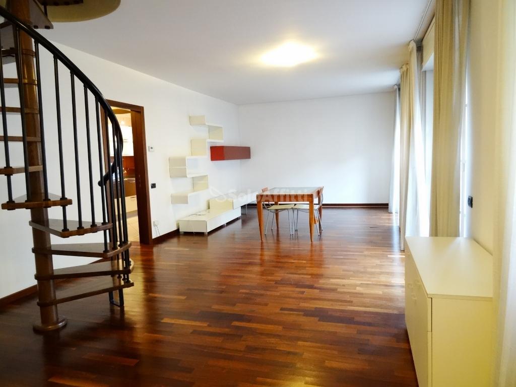 Appartamento Quadrilocale 5 vani 200 mq.