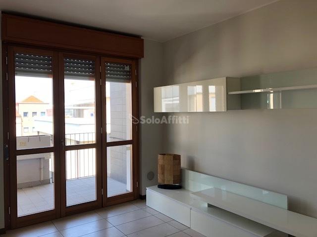 Appartamento in affitto a Gerenzano, 2 locali, prezzo € 600 | PortaleAgenzieImmobiliari.it