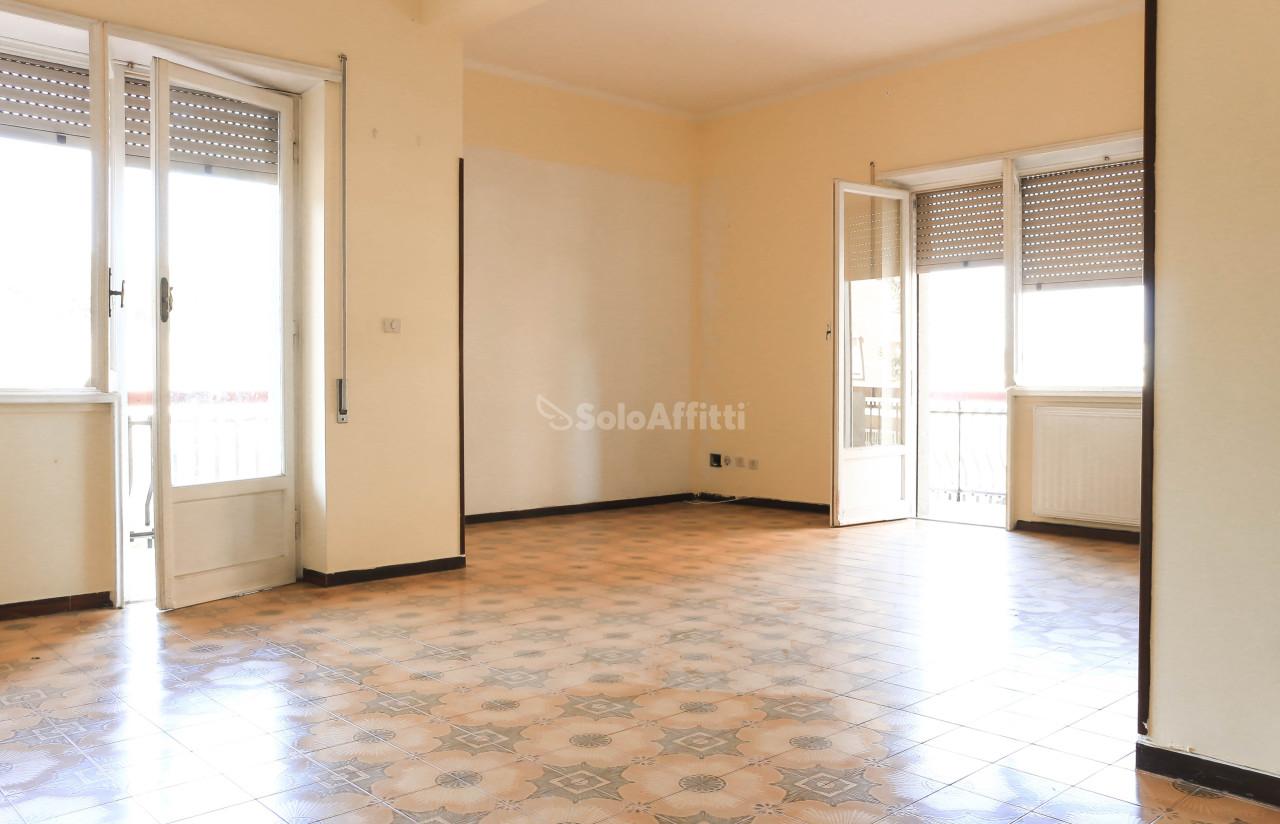Trilocale da ristrutturare in affitto Rif. 7198584