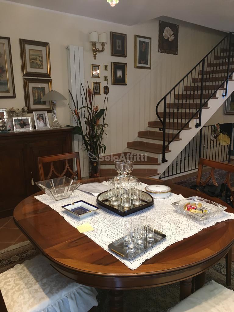Villetta a schiera in affitto Rif. 9966110