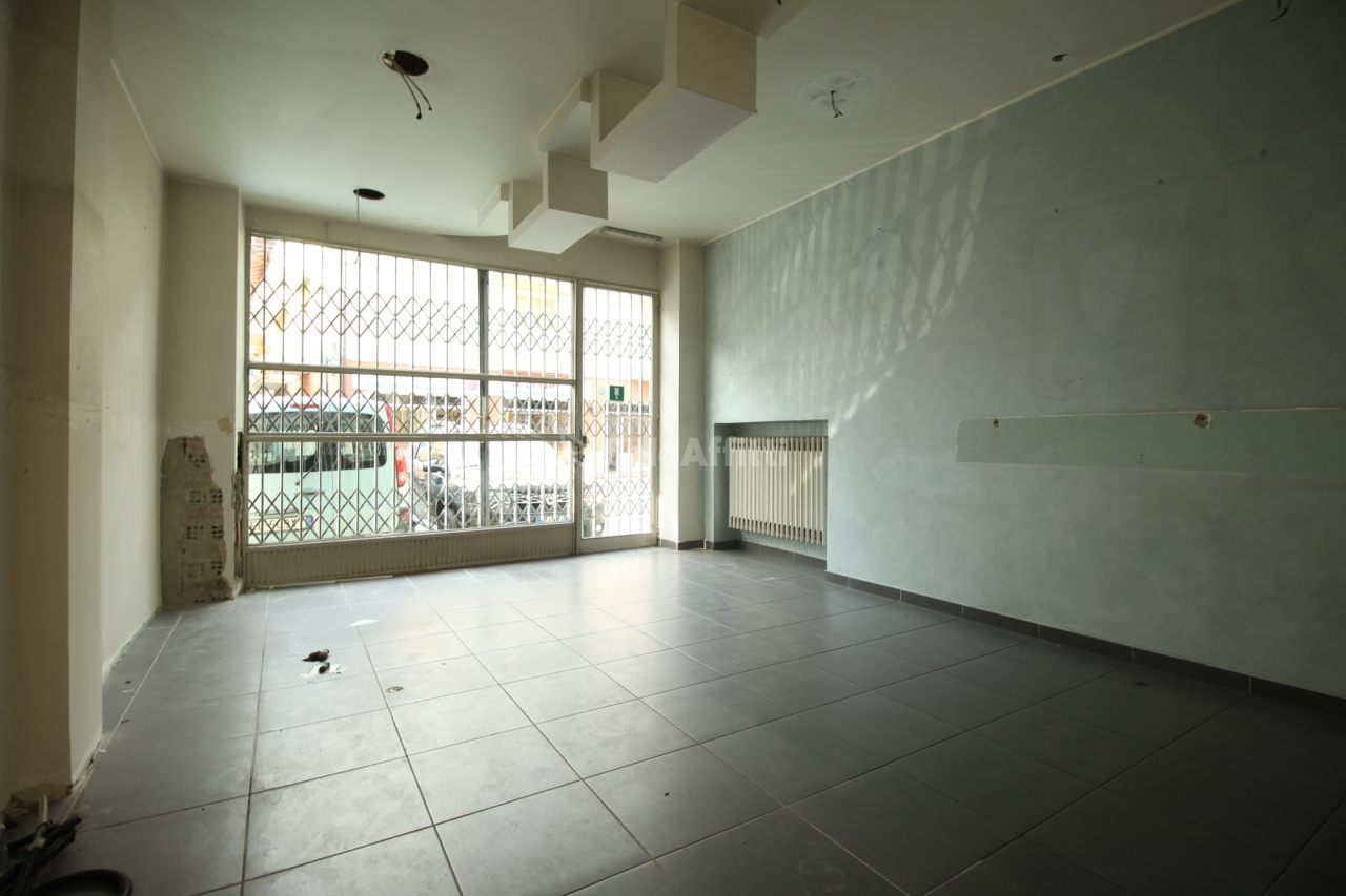 Negozio / Locale in affitto a Ciriè, 2 locali, prezzo € 550   PortaleAgenzieImmobiliari.it