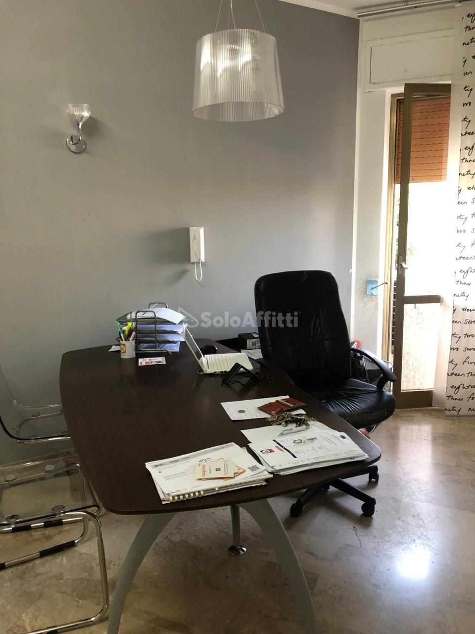 Ufficio - oltre 4 locali a Porta Nuova, Pescara Rif. 11178830