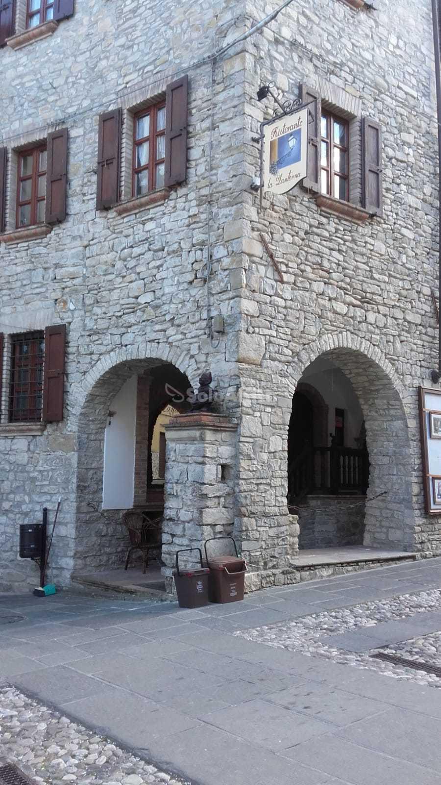 SoloAffittiParma1,ristorante in sasso Calestano