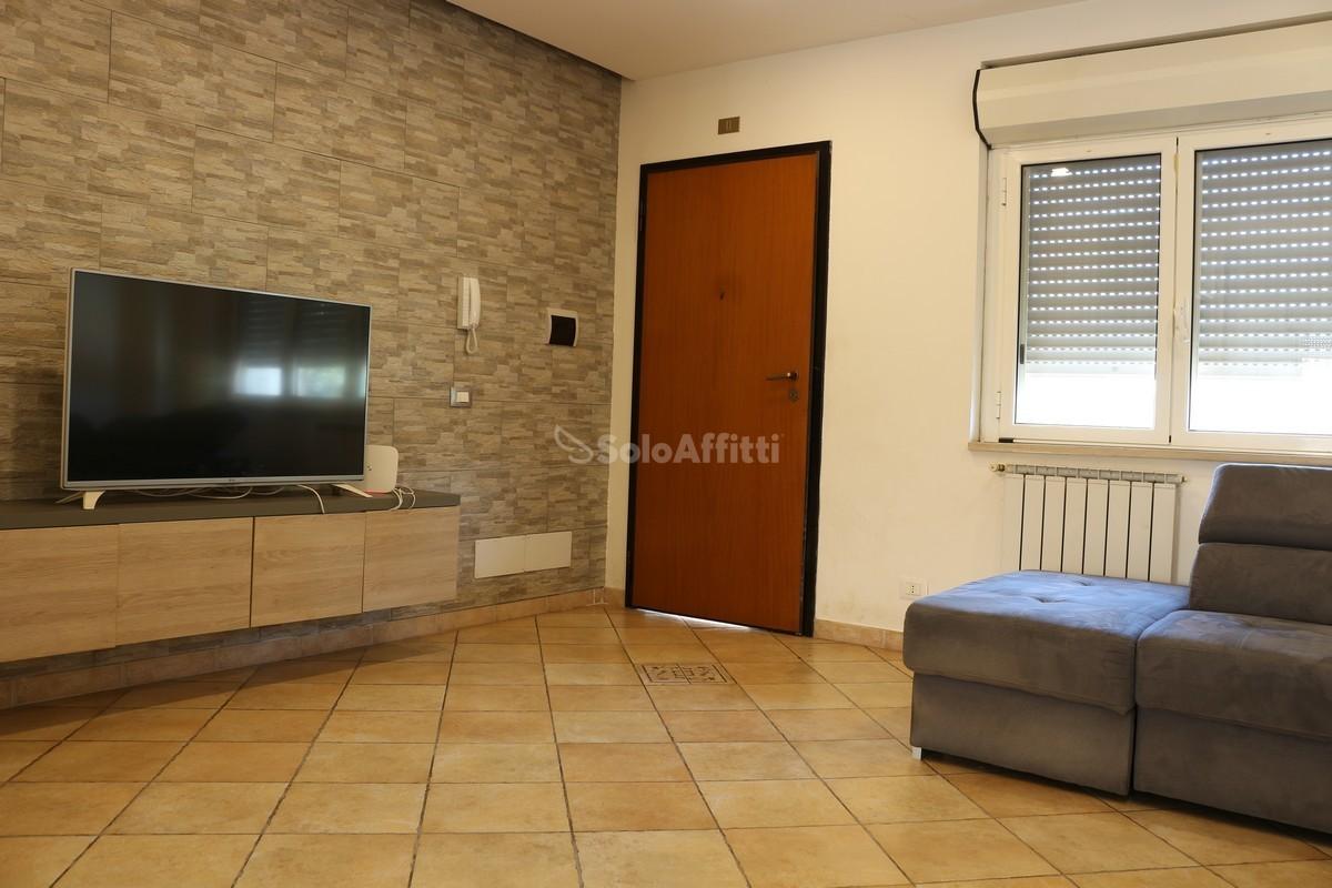 Villetta a schiera in affitto Rif. 11109511