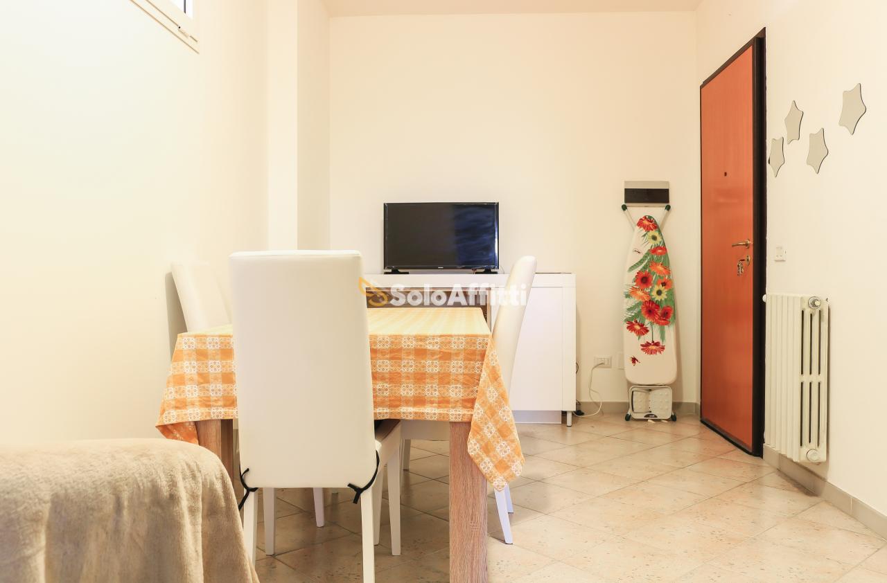 Stanza / posto letto in buone condizioni arredato in affitto Rif. 8604362