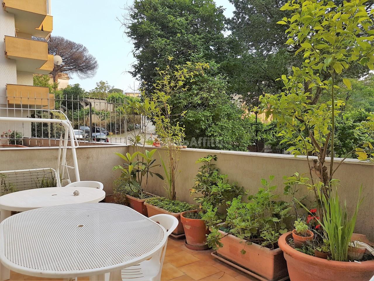 Stanza / posto letto in buone condizioni in affitto Rif. 6735377